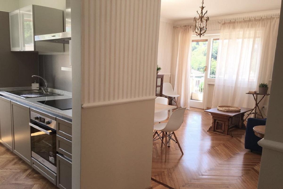 Cucina-soggiorno casa vacanze Vaticano 2 arch. Rebecchini-Mochi